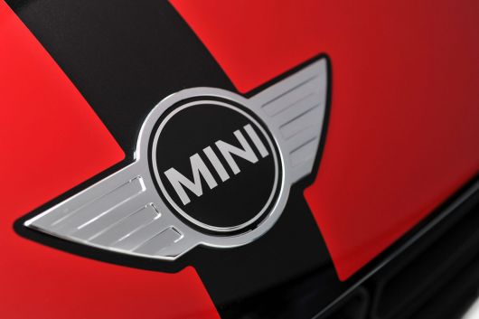 mini john cooper works countryman front mini emblem13