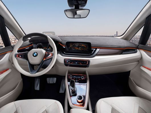 bmw concept active tourer in 12 01
