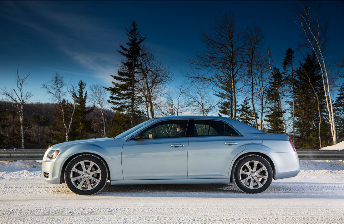 Chrysler 300 glacier 2013