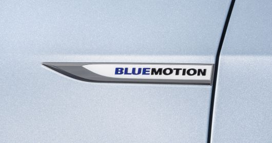 vw golf tdi bluemotion emblem 13