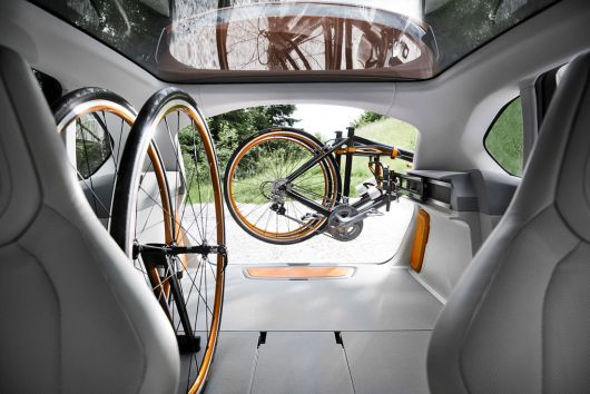 bmw concept active tourer outdoor in 13 01