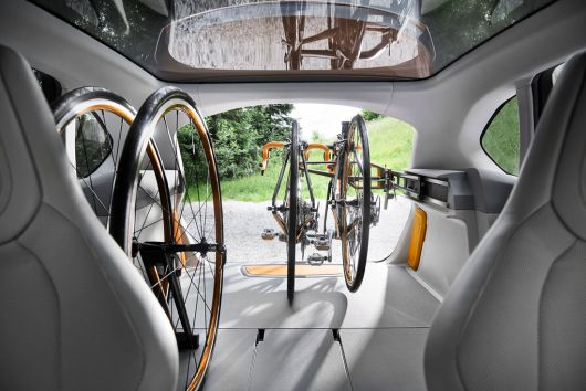 bmw concept active tourer outdoor in 13 07