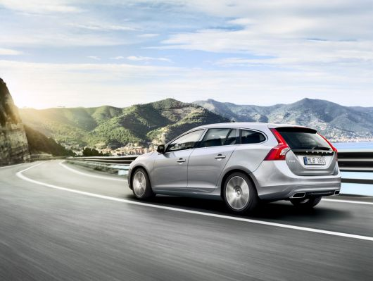 volvo v60 sports wagon 14 04