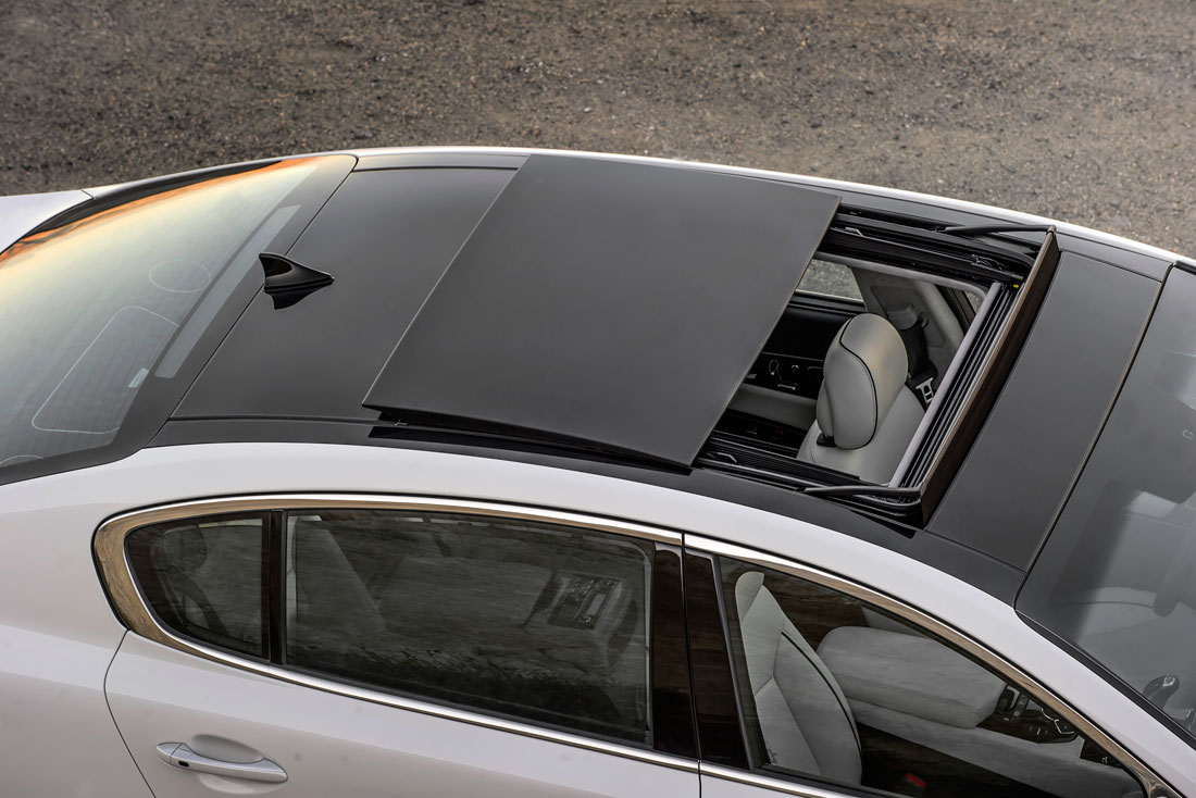 Kia k900 glass roof 15