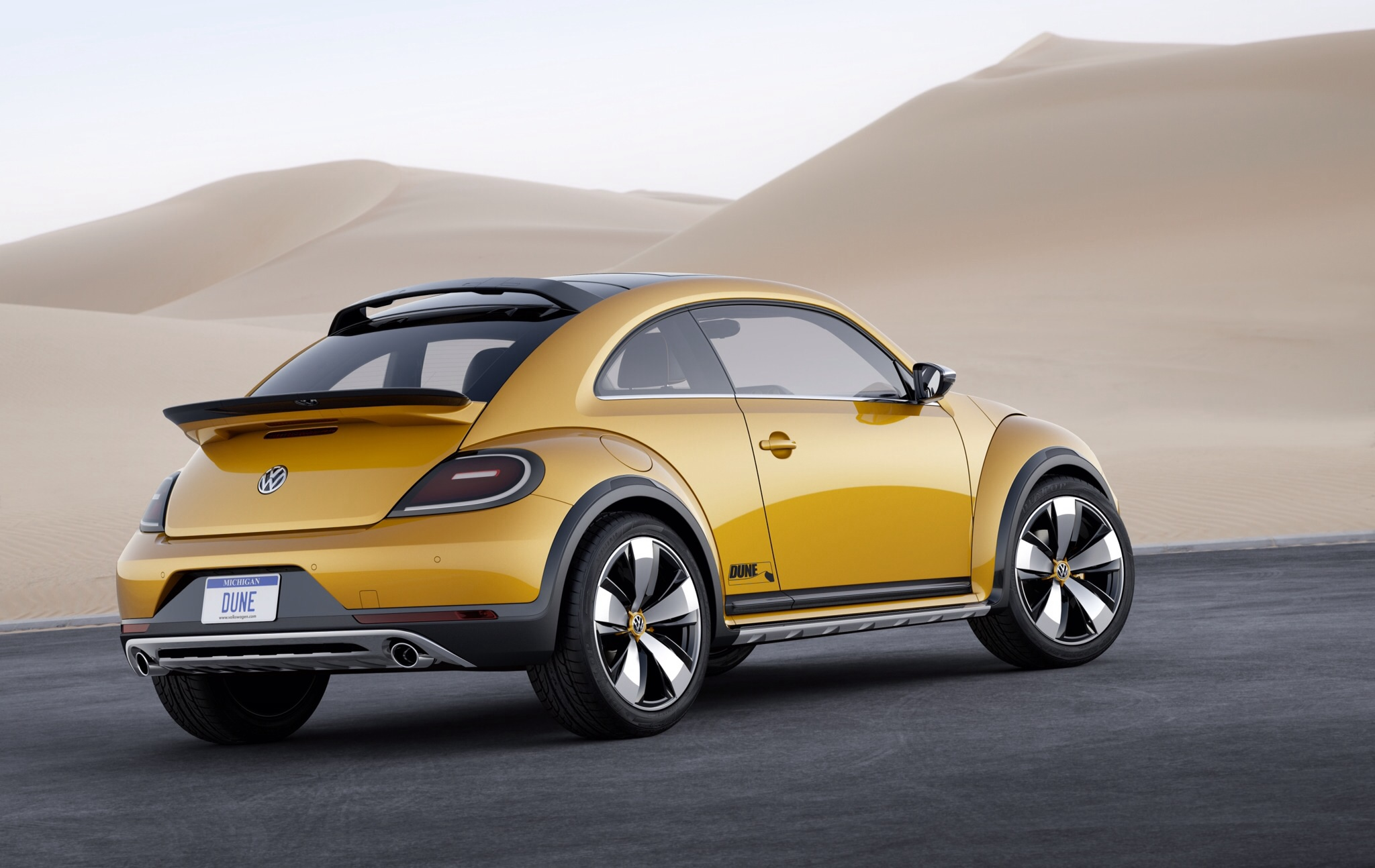 volkswagen beetle dune 2014 cartype. Black Bedroom Furniture Sets. Home Design Ideas