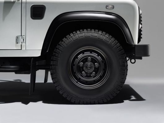 land rover defender silver pack 4 14
