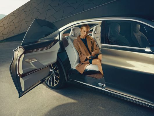 bmw vision future luxury 14 06