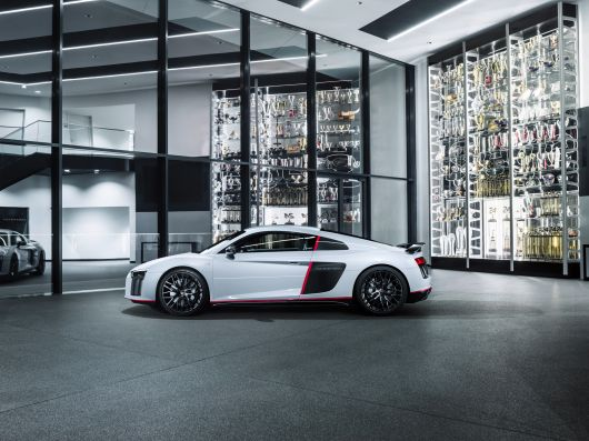 audi r8 v10 plus selection 24 16 01
