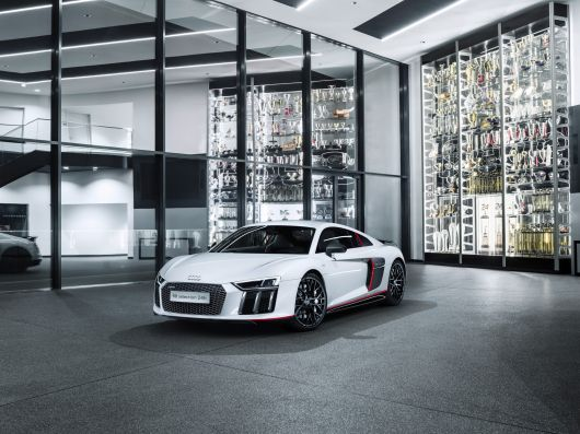 audi r8 v10 plus selection 24 16 05