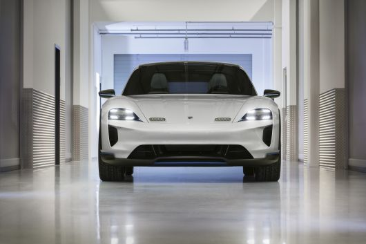 porsche mission e cross turismo 18 01