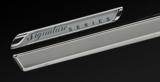 signature series emblem chrysler town country 10