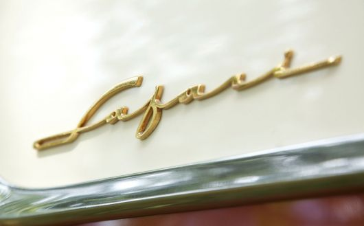 pontiac safari stationwagon emblem 1 55