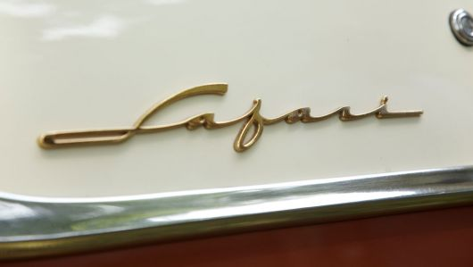 pontiac safari stationwagon emblem 2 55