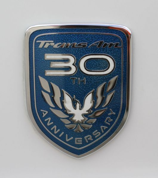 pontiac trans am 30th annv emblem 99 sm