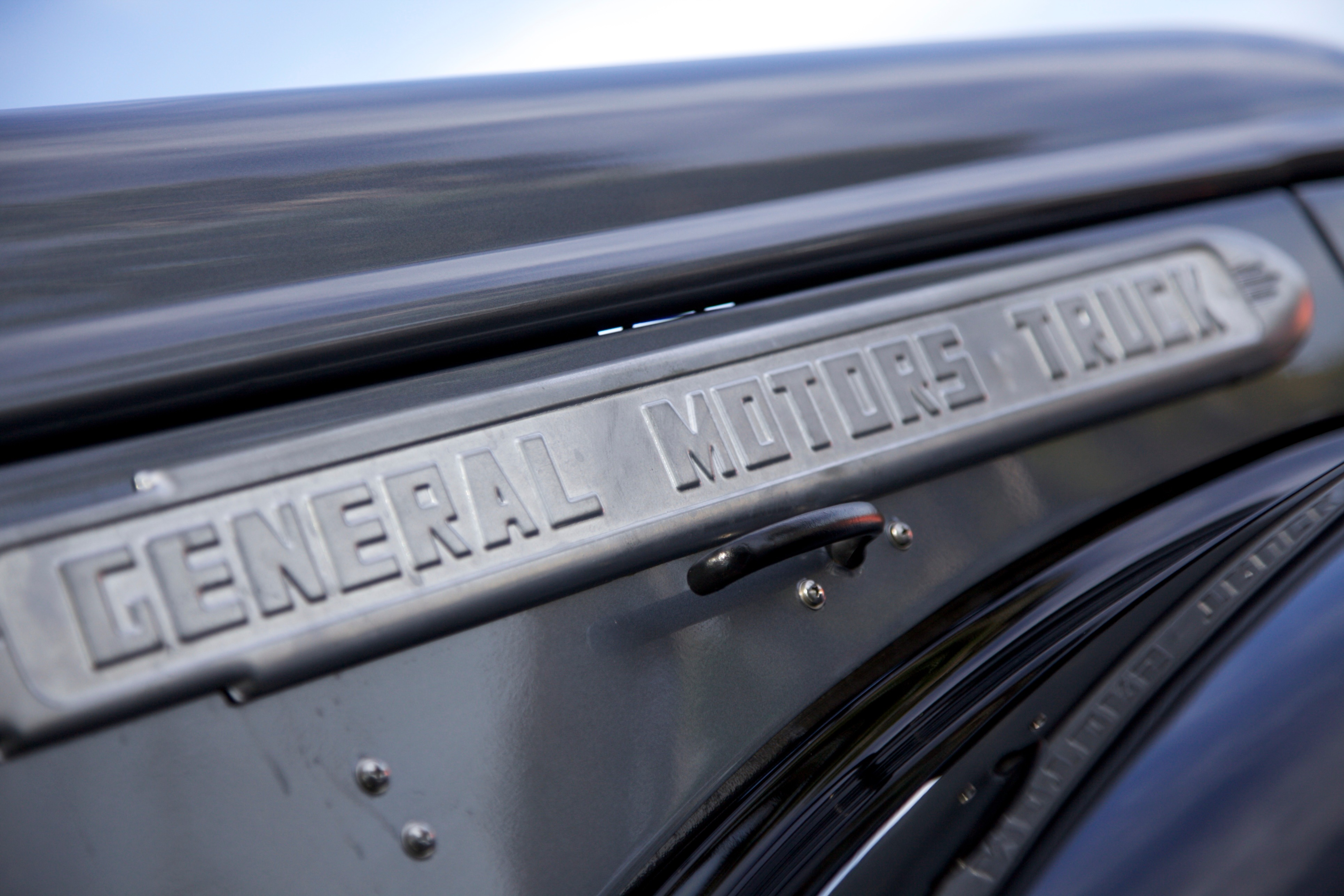 Gmc Related Emblems Cartype