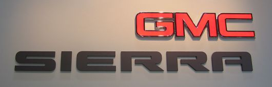 gmc sierra sign show 06