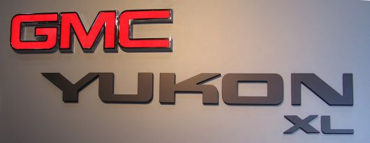 gmc yukon sign show 06