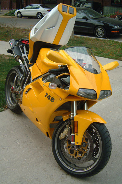 748s tailup4
