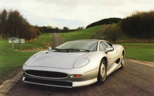 jaguar xj220 frontside2