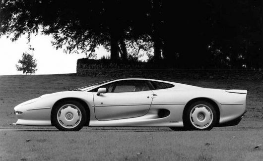 jaguar xj220 side1