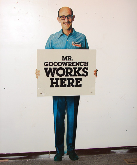goodwrench sign