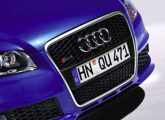 audi rs4 grill2