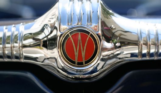 w hood emblem willys stationwagon 55 sm