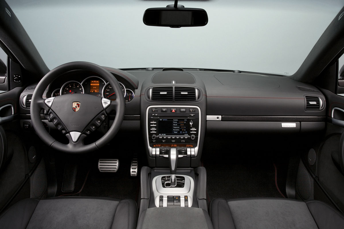 Porsche cayenne gts design edition 3 in1 10