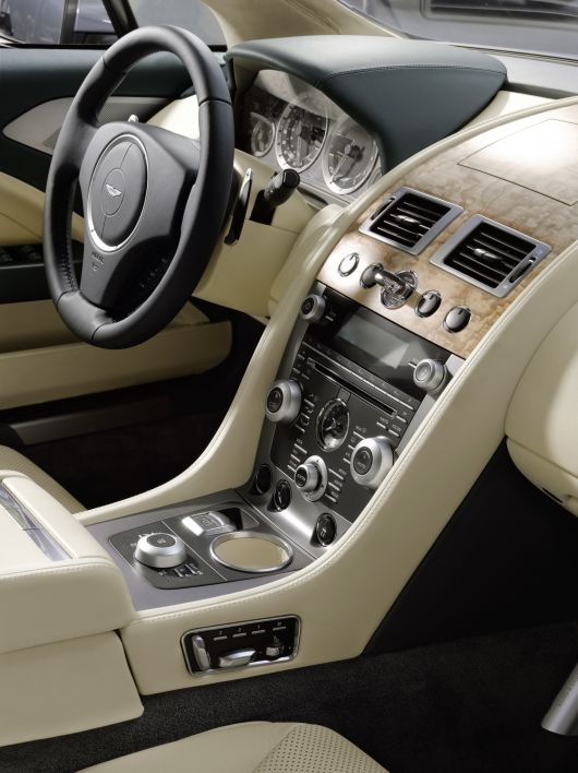 aston martin rapide in1 10