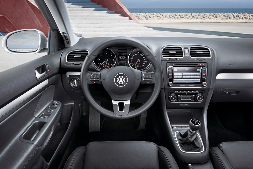 volkswagen golf estate   2009