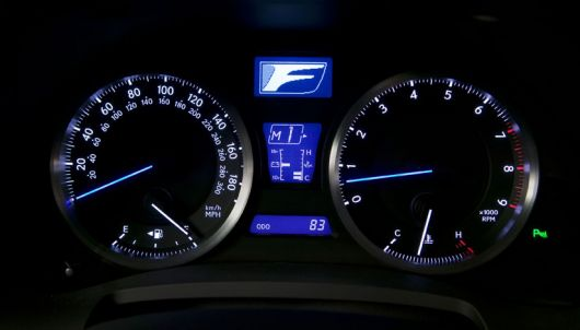 lexus is f cluster 09