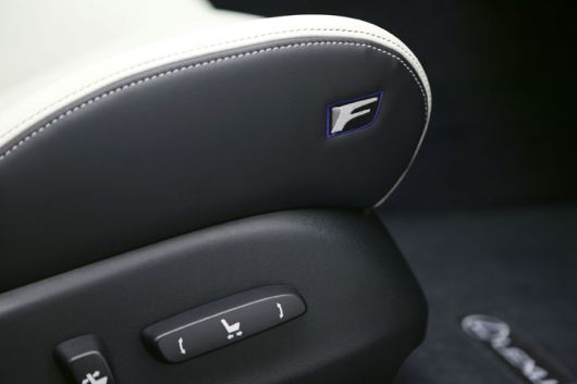 lexus is f seat 09