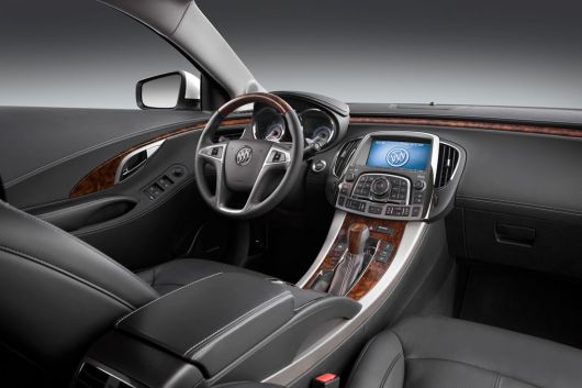 buick lacrosse cxs in2 10