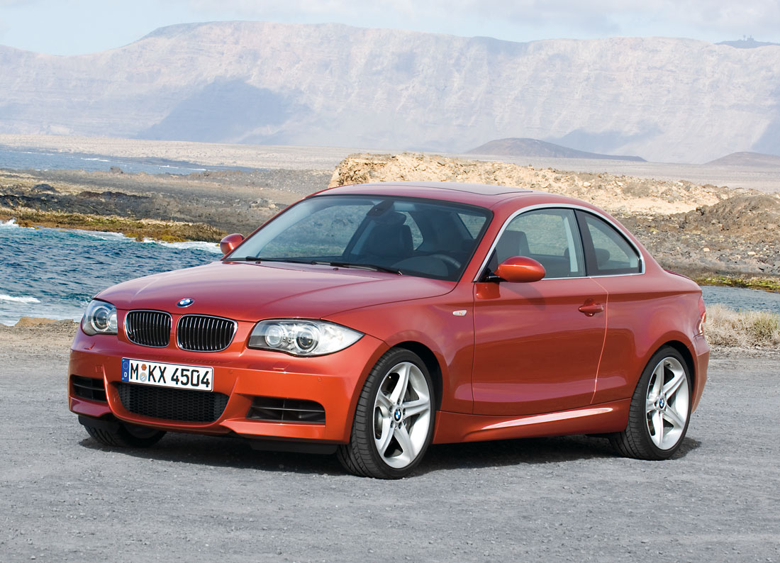 bmw 135i coupe 2011 cartype. Black Bedroom Furniture Sets. Home Design Ideas