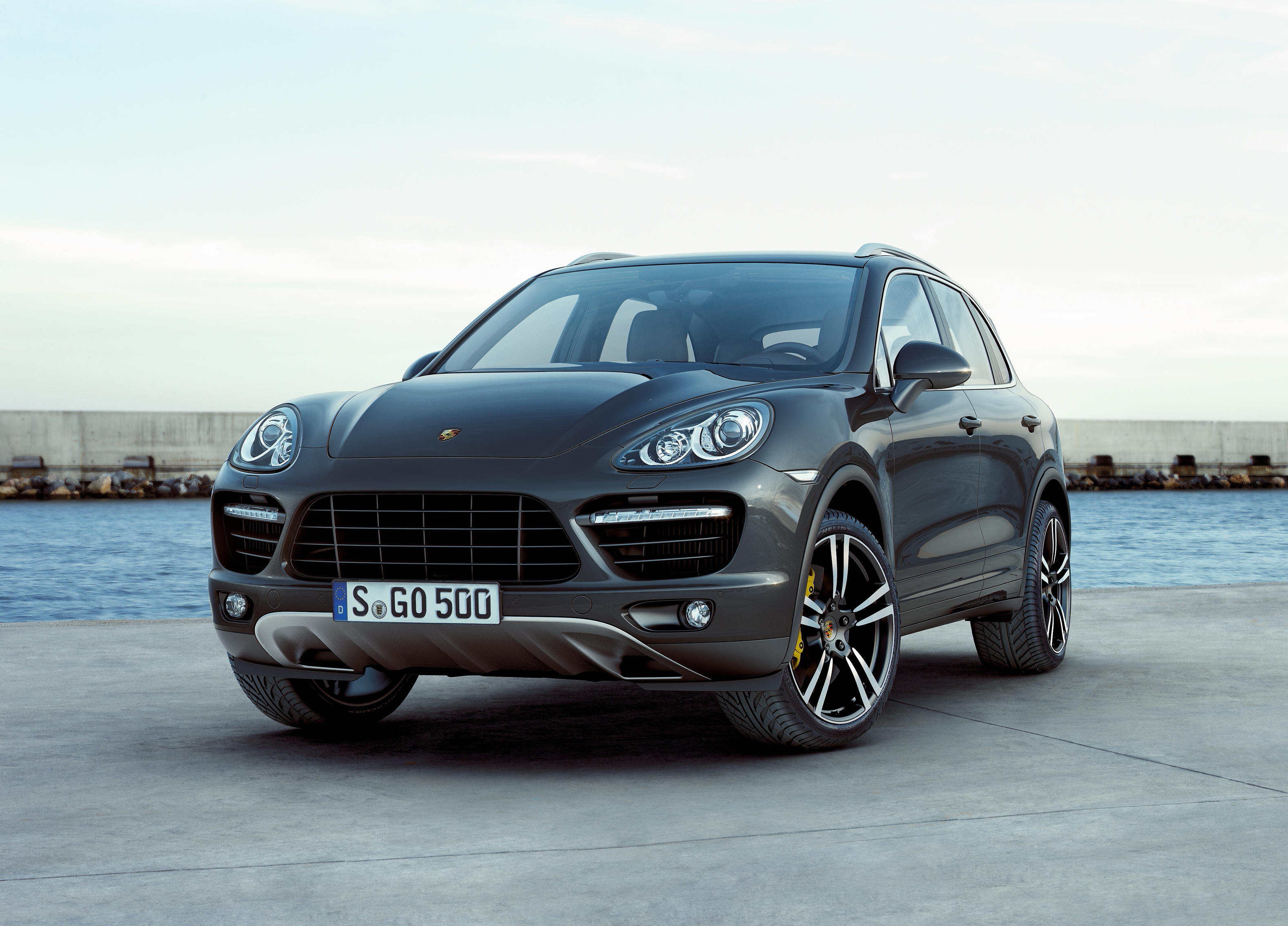 porsche cayenne turbo 2011 cartype. Black Bedroom Furniture Sets. Home Design Ideas