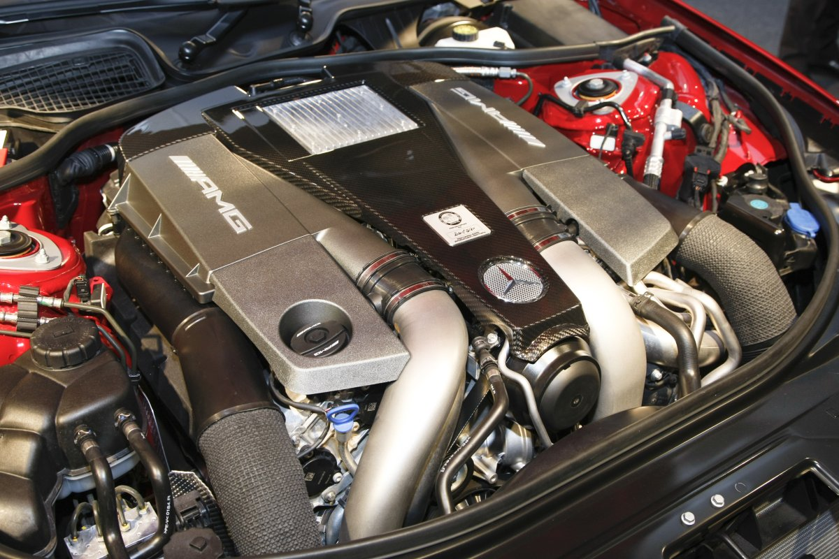AMG 5.5-liter V8 biturbo engine | Cartype