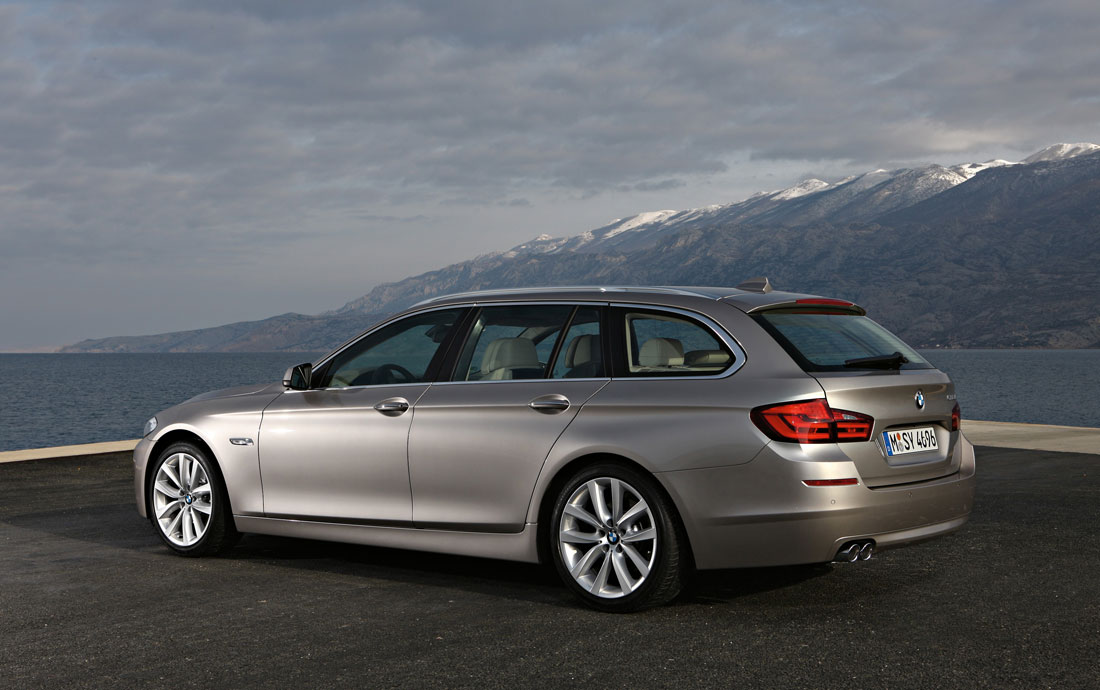 bmw 5 series touring 2011 cartype. Black Bedroom Furniture Sets. Home Design Ideas