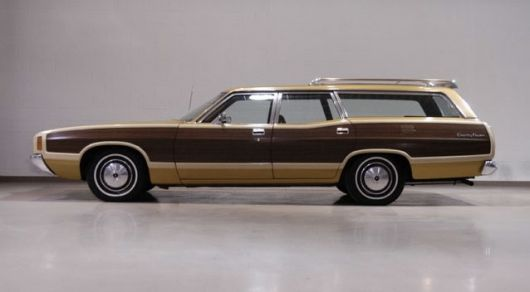ford country squire wagon 72