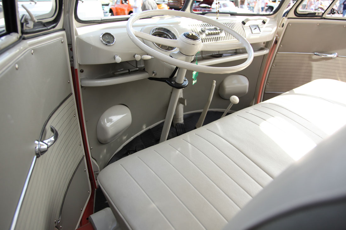 100 volkswagen old van interior volkswagen tristar for Vw kombi interior designs