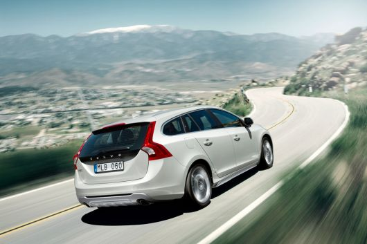volvo v60 sports wagon 2 11