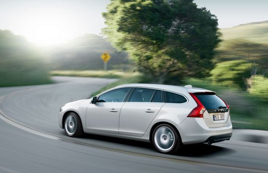 volvo v60 sports wagon 5 11