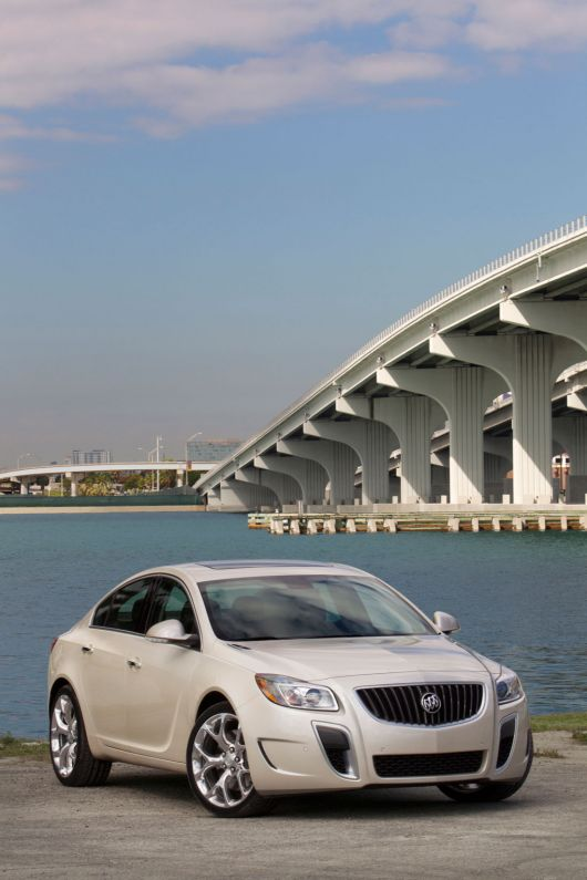 buick regal gs 12 01