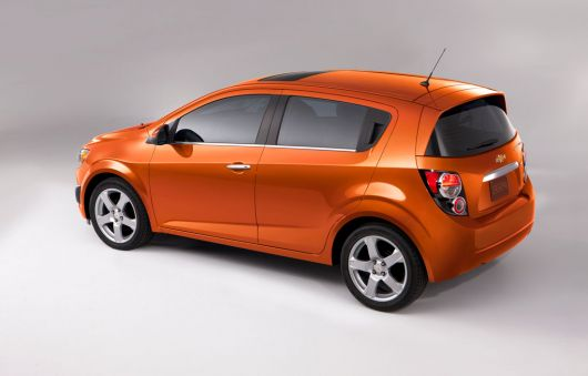 chevrolet sonic hatch 12 01