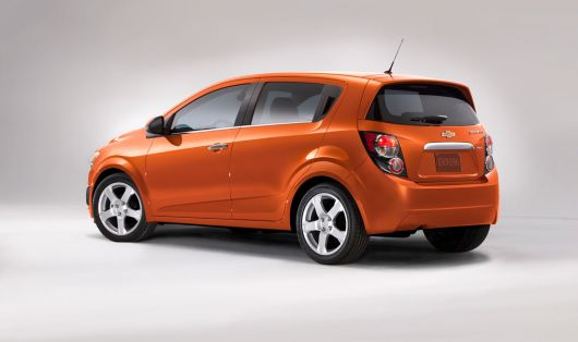 chevrolet sonic hatch 12 04