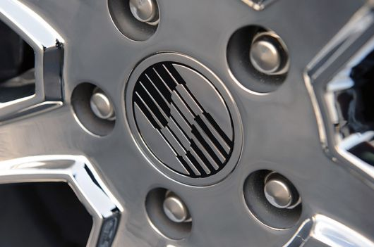 saleen s302 wheel hub 11.png
