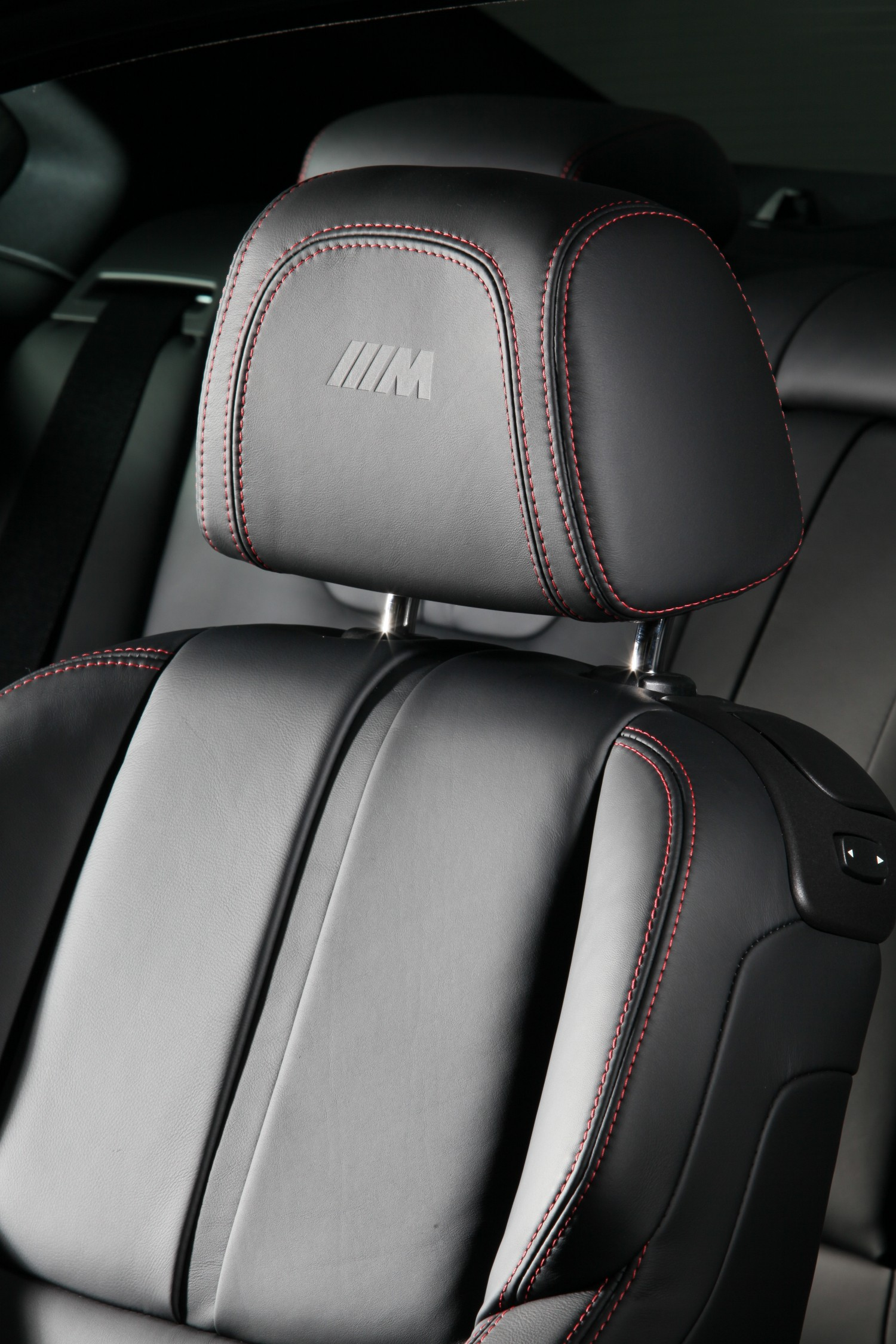 bmw frozen black edition m3 coupe 2011 cartype. Black Bedroom Furniture Sets. Home Design Ideas