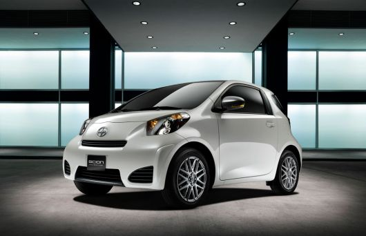 scion iq 12 01