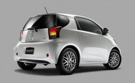 scion iq 12 03