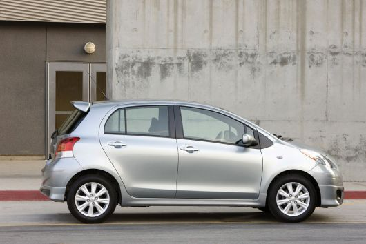 toyota yaris s 5 door hatchback 11 01