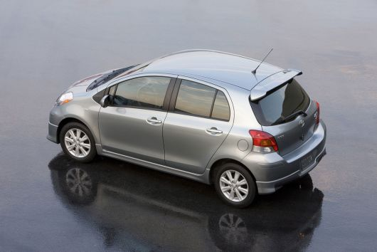 toyota yaris s 5 door hatchback 11 03